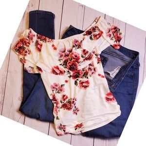 Sweet Wanderer New floral blouse  Size S